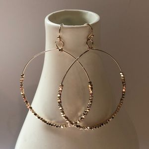 Hoop earrings with mini beads